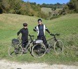 In bici giù nelle valli collinari intorno Magliano